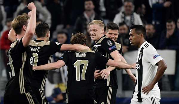 Ajax mencetak rekor klub dengan sembilan duel CL berturut-turut dengan satu gol