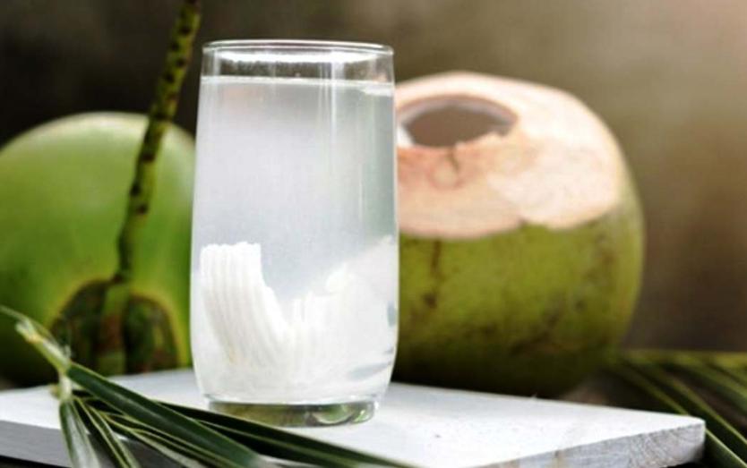 Jangan Minum Air Kelapa Jika Dalam Kondisi Tubuh Ini